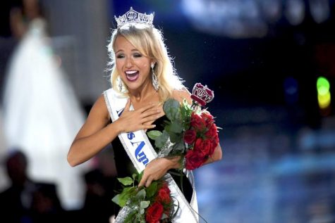 Miss Arkansas Savvy Shields Steals the Show and Crown for Miss America