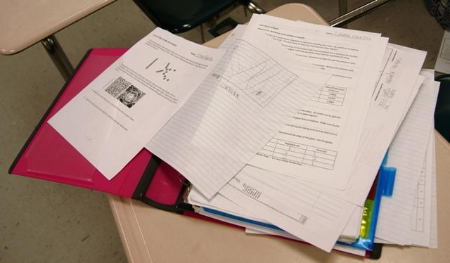 A messy binder will not promote good learning habits, so clean your binders out regularly.