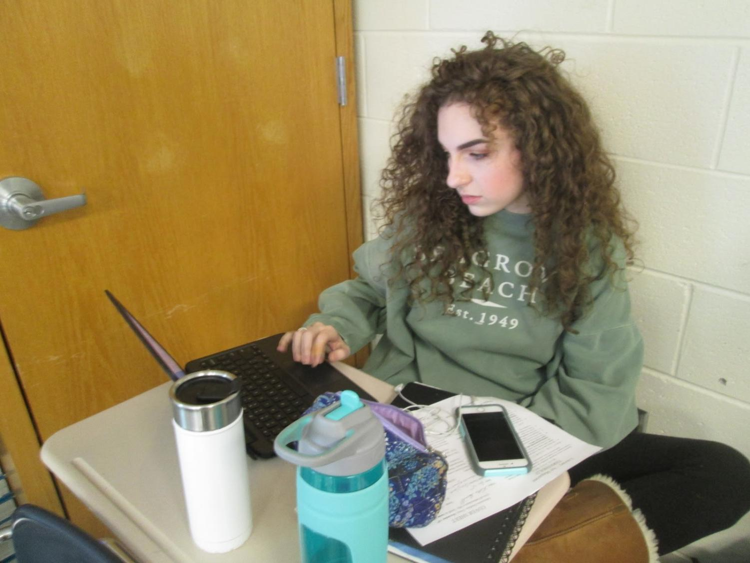 It is the time of year for students all over the world to stay up late into the night studying for one of the most important tests of the year: midterms. Junior, Katie Harrill, uses all the time she can get to study.