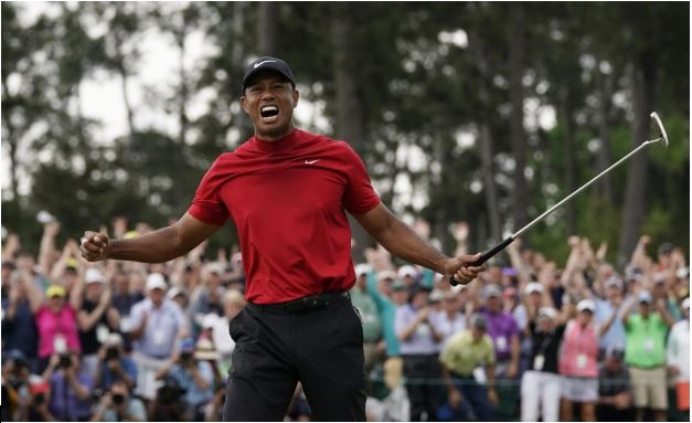 +Tiger+Woods+celebrates+winning+the+Masters+for+now+the+fifth+time+and+winning+his+first+major+championship+in+years.+%28Photo+by+Getty+Images.%29