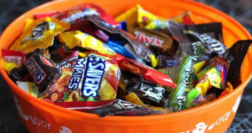 Children and teenagers that live in your neighborhood will be lining up at the door, waiting for you to walk up with a candy bowl like this in your arms.