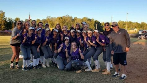 Lady Raider Varsity Softball Team Tackles Their Sweet Sixteen