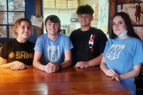 Lily Jackson (an alumni who graduated in 2018), Justin Cole and Zachary Barnett (sophomores), and Kierra Jacobsen (junior), work at Pizzeria Azzurri.