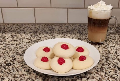 The finished shortbread cookies. Photo by: Micayla Peters