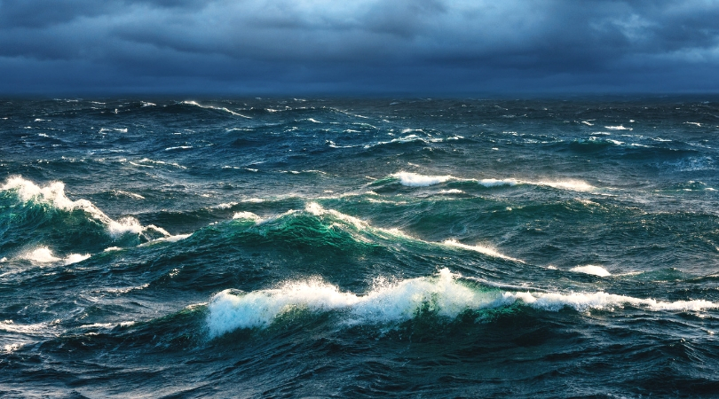 Waves battle the currents and the opposing wind. Photo from Rare.us.